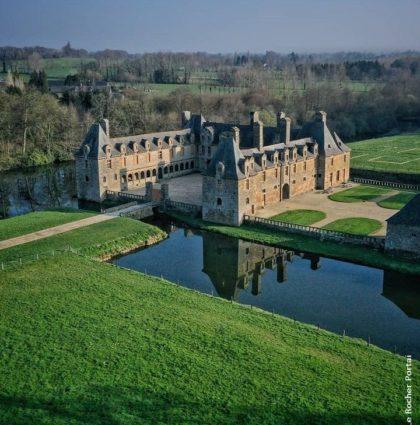 Nouvelle Exposition, direction le Château Rocher Portail